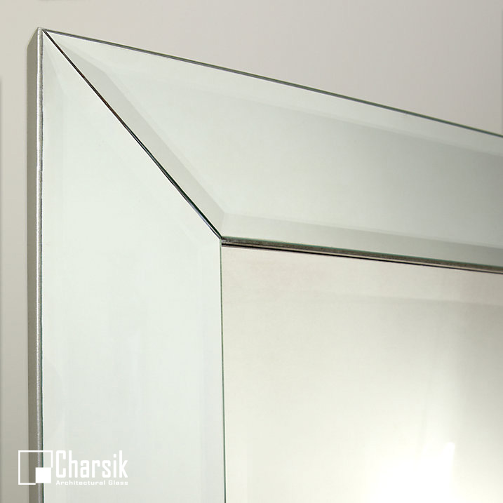 آینه دکوراتیو، طرح گوشواره چارسیک