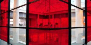 شیشه قرمز چگونه تولید می شود و مواد تشکیل دهنده آن چیست؟