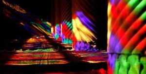 نور در مسجد نصیرالملک