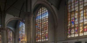 تحولات شیشه استیند گلاس در قرون وسطی