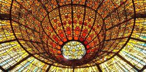 گنبد شیشه ای استیند گلس. پالائو دلا موسی. قصر موسیقی کاتالان