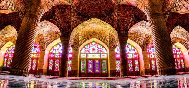 شیشه های رنگی در مسجد نصیرالملک شیراز