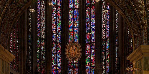 پنجره استیند گلس در کلیسای آخن، آلمان