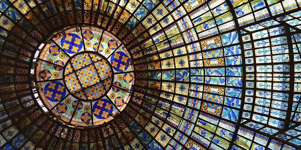 گنبد استیند گلس در مرکز خرید پرینتمپ، پاریس