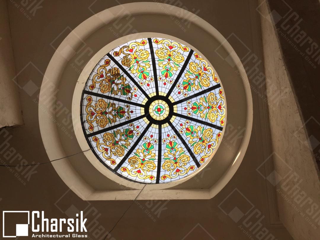 سقف شیشه ای رنگی