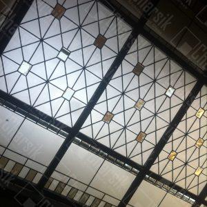 سقف شیشه ای مدرن