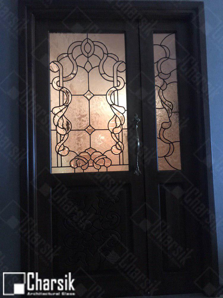 شیشه تزئینی درب ورودی